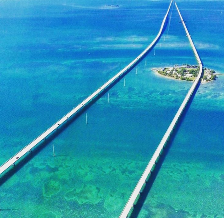 Seven Mile Bridge. Ponte para Flórida Keys. Foto: KeysAir Aviation